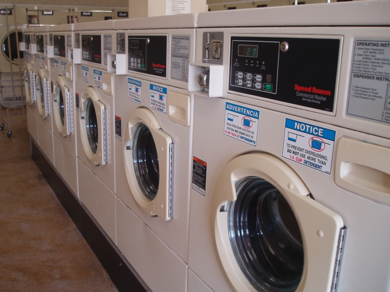 Washers - Side Loader Speed Queens in Laundromat of El Cajon