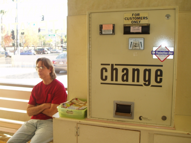 Change Machine in Laundromat of El Cajon